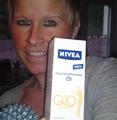 Botschafterin Tanja M. NIVEA Hautstraffendes Öl Q10 plus
